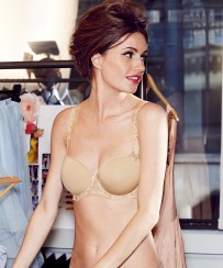 The always-flawless nude T-shirt bra